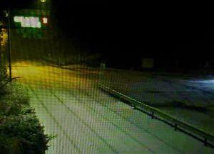 箱根の質問何でも下さい。 箱根は午前2時頃から雨が雪に変わり 強羅から上が積もり出し 家業の配送トラックも一度湯本に戻って 四