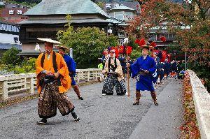 箱根の質問何でも下さい。 昨日は一日小雨が降ったり止んだりの箱根でした。  箱根をはじめ全国で人手不足が深刻ですが 政府は外国