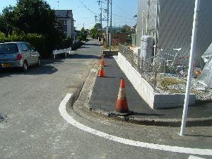 袋井市諸井問題 北210号線、袋井市諸井中心部にある重要道路、最近道路拡幅と舗装工事を袋井市がやってくれました、お陰