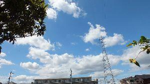 信州自然談話室 稲の穂が出ていますね~ 今年も 豊作でしょうか。  今日の空です、立秋過ぎましたが 夏空です。  そ