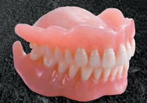 ■無益なトピは■ 総入れ歯、そんな映画があったね。