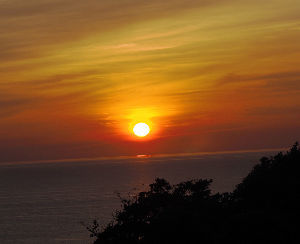 石垣りんさんの追悼を  こんばんは。    今日といっても昨日ですが、午前3時に出発して、私の好きな  日本海の灯台を目指