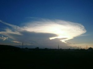 一日の想い出 台風も過ぎ、毎日暑い日ですね! ある日の夕焼け