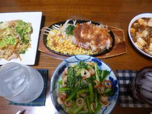 ももの家の晩御飯(´∀`) 7日メニュー  チキンソテー 小松菜ちくわの炒め物 マーボー豆腐 あんかけ焼きそば