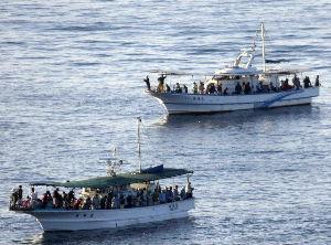 明石海峡の釣りを楽しく!情報交換の場 今朝の明石港沖   今朝は海がタコ釣りの船で活況です。  ちょっと見るだけで乗り合いが8隻、他にボー