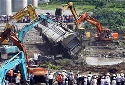 中国に立ち向かう覚悟 著者 櫻井よしこ 38china@baka.com小僧、別名シナトマト。こんなところで油を売っているんじゃない。「靖国