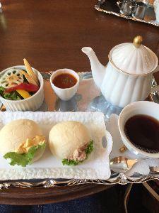 ケーキでも食べに行きましょ〔女性同士のお茶友作りませんか〕 おはようございます(^^) うおこさん、写真撮るの上手ですね💕 すごくキレイなケーキ🍰 この週末は土