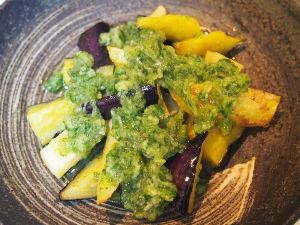 ゆるゆるマクロビオティック生活実践中。 揚げ野菜のキュウリドレッシング  揚げたナス、ジャガイモに、おろしたキュウリにお酢と薄口しょうゆを混