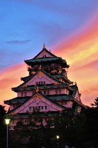 お好きなお写真をお披露目しませんか? 大阪城の日の出、毎日が雲により変わる風景、