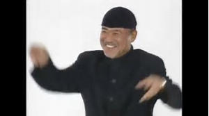 9861 - (株)吉野家ホールディングス 吉野家ホールディングス  黒沢さん  一緒に踊りま~しょう♪  あっそれ〜   上げて  上げて