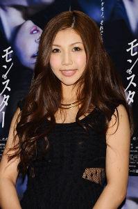 整形の芸能人晒していこうぜ! 本名は今井 夢露(旧姓は成田)、1987年10月26日生。元スノーボードハーフパイプ選手。大阪市住之