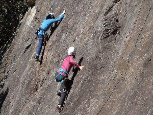 いろいろ写真館~♪♪ 皆さん~こんにちは、  今日は、暖か陽気で日の中 小春日和です(^^)  今日も崖登りに行って来まし