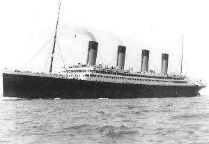3551 - ダイニック(株) 社名がいつもボロ船、「タイタニック」に見えるのは私だけ??