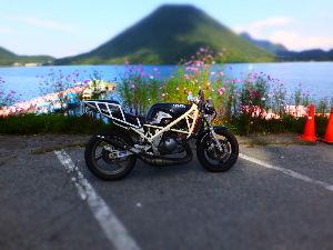 Ducati乗りの交流の広場にした~い 浅間山の所の、峠茶屋です。 R17からR18、バイパス上って,八ッ場ダム通か裏榛名で、がお散歩コース