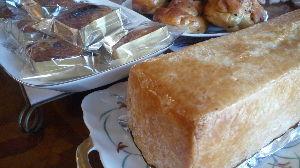 専業主婦って働く人の足手まといなの? 手づくりパンで ランチ  3種類の焼き上がりを待っていると、、3:00Pmになりました。 お腹を減ら