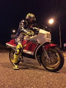福岡県リターンライダー仲間 リターンライダー  😐ンー  やっぱ バイクが古臭いかも。
