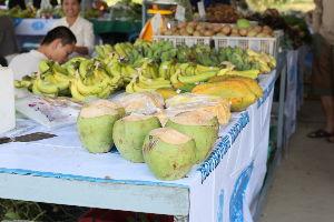 チェンマイ暮らしも慣れました ココナツ、ジャンクフルーツ、バナナ等の販売、甘くて美味しいジャンクフルーツを購入しました