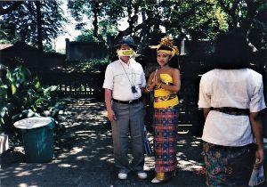 写真が趣味です。 バリ島で、現地の女性に挨拶されました。気分爽快。。。