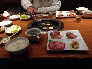 いまさらでびゅ~(=>。<=) 年休使って三連休 あっという間に終わったぁ (ーー;) 2日目は忘年会 全日空ホテルの日本料理屋でや