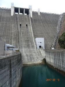 川越・鶴ヶ島・坂戸・東松山・東上線沿線近郊の方 雑談 ??? なんでそのように解釈されたかわかりませんが 先週宮ケ瀬ダムにいってきて 写真も自分で撮ったや