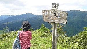 ☆☆岡山の山、大好き☆☆ >水分をしっかり取ってくださいね。 有難うございます。 嫁の実家に送るついでに登ったケンザン。
