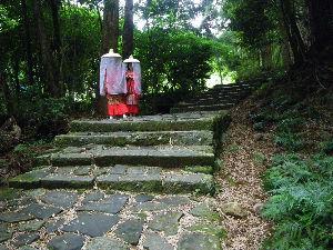 ☆☆岡山の山、大好き☆☆ かりんさん、赤坂山の高校生の中身はテント装備+調整用の重りだと思います。4人で70Kgというのがルー