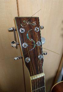 独り言・・・(^.^)  ペグっ…交換   いつも使ってるギターの中の一本っ… 3G用のペグ 動