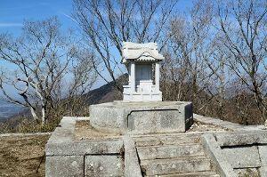 栃木百名山 【きのこ山 足尾山】 筑波山と加波山との間に横たわっているきのこ山と足尾山に行って来ました。 きのこ