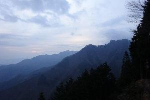 ▲武甲山ファンふたたび▲ 【雲取山日帰り往復凄いです】 shiraさん、ご無沙汰しています。 3週間連続の奥多摩最奥の登山凄す