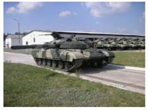 4565 - そーせいグループ(株) はい、イラン主力戦車、カラール英表記 自国開発である。カタログ上は電子機器搭載ですごいみたいであるが