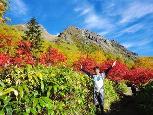 山に登ろう!! 10月に焼岳に登りました。  紅葉がちょうど見頃でとても綺麗でしたよ!   ↓おいらのブロ