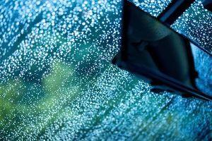 中年トレーダー 売もこの辺で弱い。。反発もありってとこか。。 かってもいいが、、仕事だ。。  外は雨。。  いっそ、