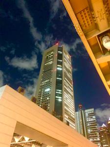 1407 - (株)ウエストホールディングス 頑張っているウエスト!! 近所を通ったので撮影。 (東京本社が入るオペラシティビル)