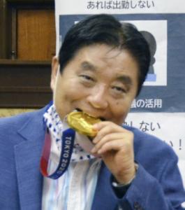 6740 - (株)ジャパンディスプレイ ソフトボールの後藤希友選手の金メダルを噛んだことについて、名古屋市の河村たかし市長が謝罪しました。