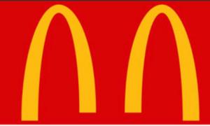 2702 - 日本マクドナルドホールディングス(株) 人との距離をとるようアピールするため ロゴを改変  …て目が笑ってるよ