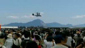 オスプレイ飛行に市民ら怒り 岩国フレンドシップデイ  結構、人気があるな