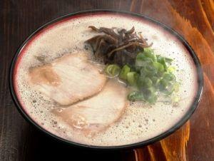 片思いのつぶやき 御昼だね(^-^)  何 食べたかな  今日も熱いラーメンにしました。
