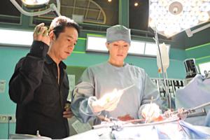 7612 - (株)Nuts 仕事中なので、投稿が雑ですが、加藤医師をモデルにした、ドクターXが10月から始まります。良い宣伝にな