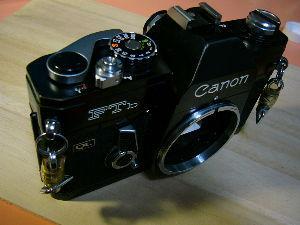 フィルムカメラ(マニュアルフォーカス)がカッコいい! demoさん 動作未確認は、本当に知らないのか、面倒くさいからさわりもしていないのか、高く売るためか