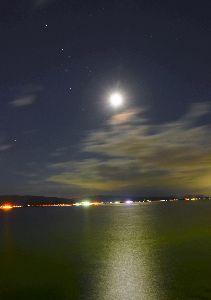 写遊人 秋の夜長の月明かり