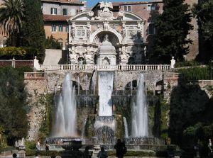クラシック音楽を楽しみませんか 水しぶきの恋しい季節になりましたね。  噴水で有名な、ヴィラ・デステを御存知でしょうか。文字通り、&