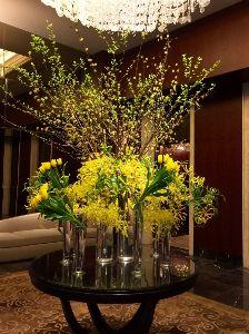 3478 - 森トラスト・ホテルリート投資法人 森トラスト・ホテルリ-トのNO.1物件 シャングリラホテルの入り口に飾られているお花です。
