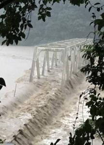 来週のレンジ予想 【濁流にのまれる橋】 熊本県によりますと、5日午後1時の時点で、球磨川を中心に合わせて14の橋が流さ