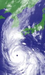 来週のレンジ予想 【台風10号何事もなく通り過ぎて・・】 大型で非常に強い台風10号は5日午後、沖縄・大東島地方を暴風