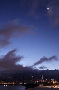 スマホで撮りました。 こんばんは、 晴れです、気温5.5度、 少しゆっくりね、起床はAM5:00~30です、 朝陽も狙いた