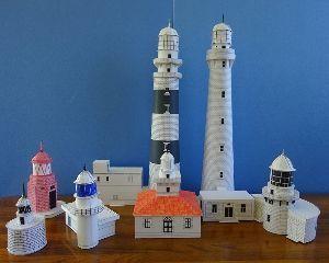 ペーパークラフト 順序が後先になったが、年末「灯台」全7基が完成し、 集合写真を撮った。