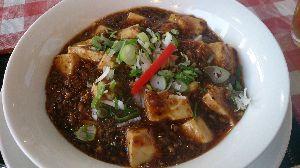 バイクのツーリング先で美味しいB級グルメ 麻婆豆腐が美味しい「ふくくるしょくどう」 やはり四川麻婆豆腐を紹介します。 生姜が入っていて身体ポッ