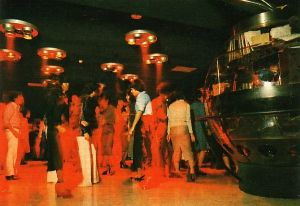 60代でも~ディスコで踊りたいけど…勇気が無いジジです♪ 「メビウス 」  オープン 期間'71.9~'79.12  所在地 東京都港区六