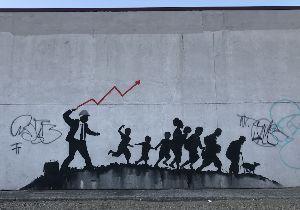 英語趣味の福袋(疑問満載) More Banksy work pops up in Brooklyn, this time co