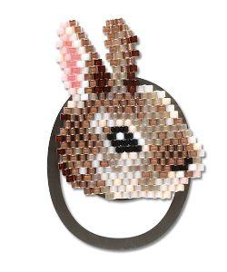 ビーズで遊ぼう♪ ウサギさんのお顔のブックマークですが、ちょっと使いにくいようなので、短い耳の先に二重リングを付けて携